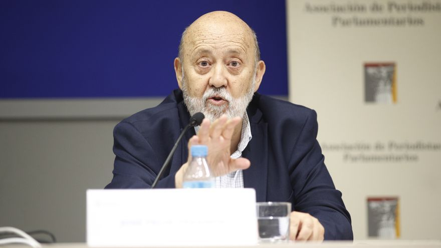 """Tezanos acusa a Vox y a """"algunos personajes del PP"""" de """"radicalizar"""" el debate"""
