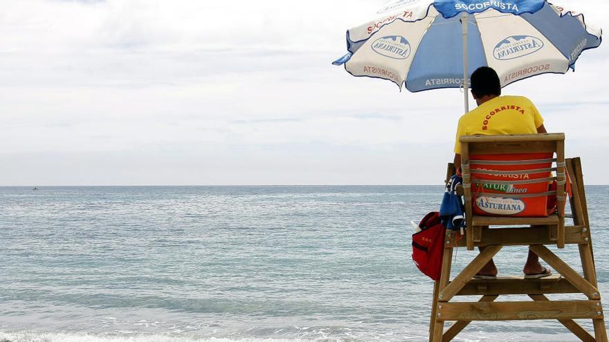 Fallece ahogado un anciano en una playa de El Campello