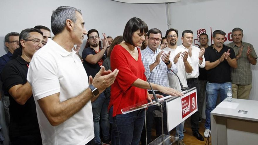Conesa se hace con las riendas del partido por 220 votos de diferencia