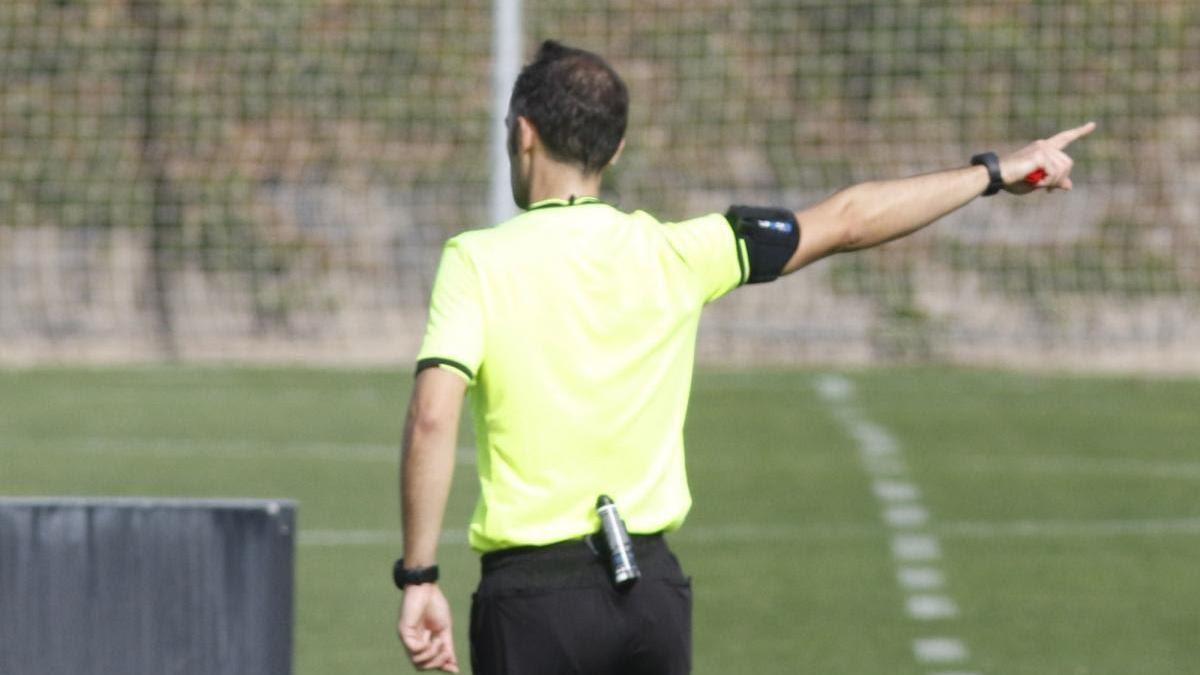 Campos Salinas, el árbitro del Córdoba CF-Linares Deportivo