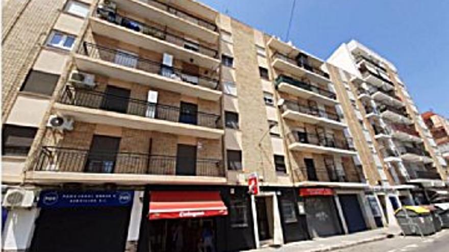 55.087 € Venta de piso en Torrefiel (Valencia), 3 habitaciones, 1 baño...