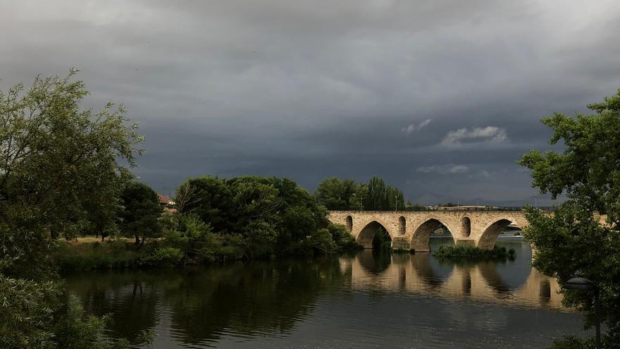 El tiempo en Zamora hoy, viernes | Un día más de tormenta