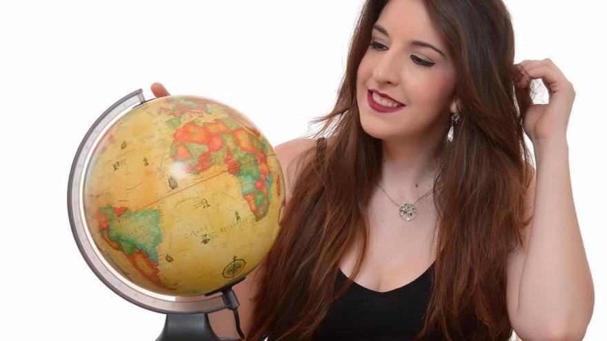 La cartagenera Lydia Martín regresa esta tarde con 'Mundos aparte'