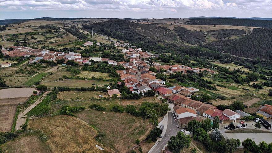 Viñas acaba con los minifundios, San Blas instala depuradora y Ribas mejora su vía