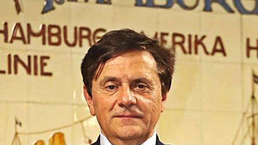 El vigués Pedro Rey Vera oficializa su candidatura para la presidencia de la CEG