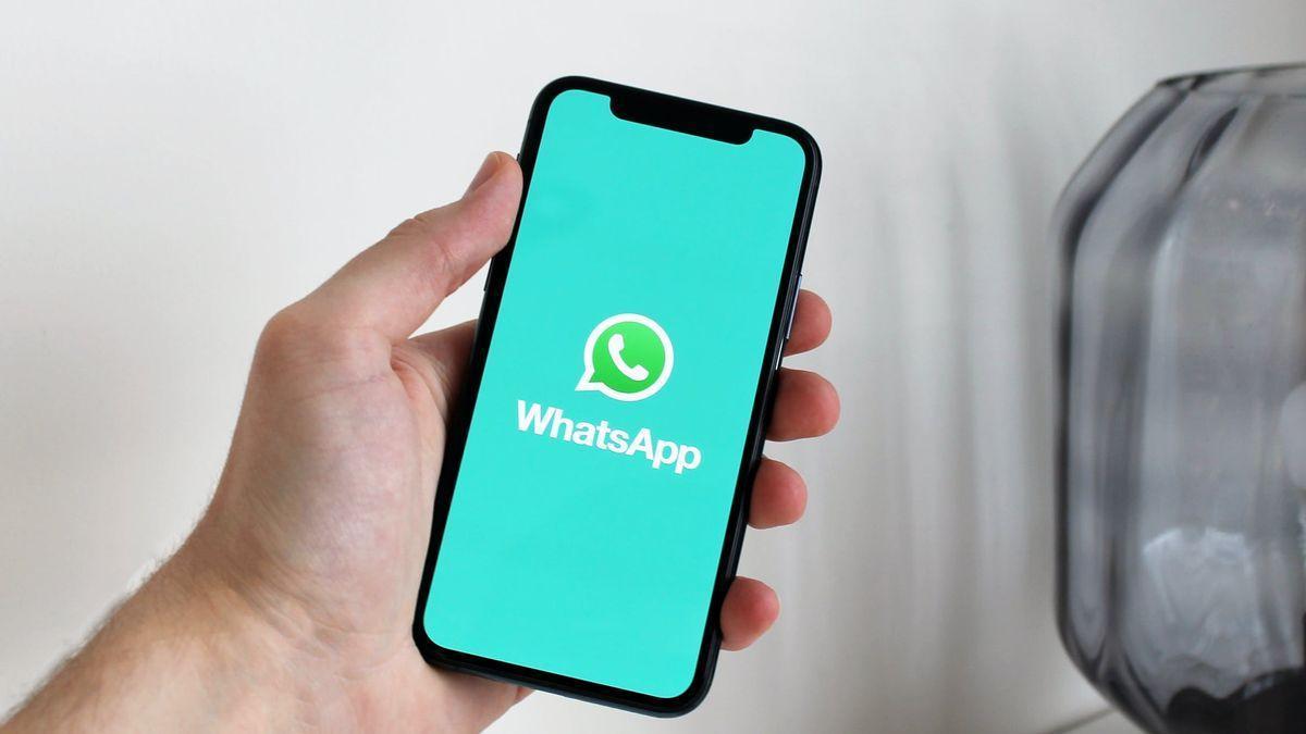 La Policía advierte del último timo que te llega al móvil y puede costarte miles de euros
