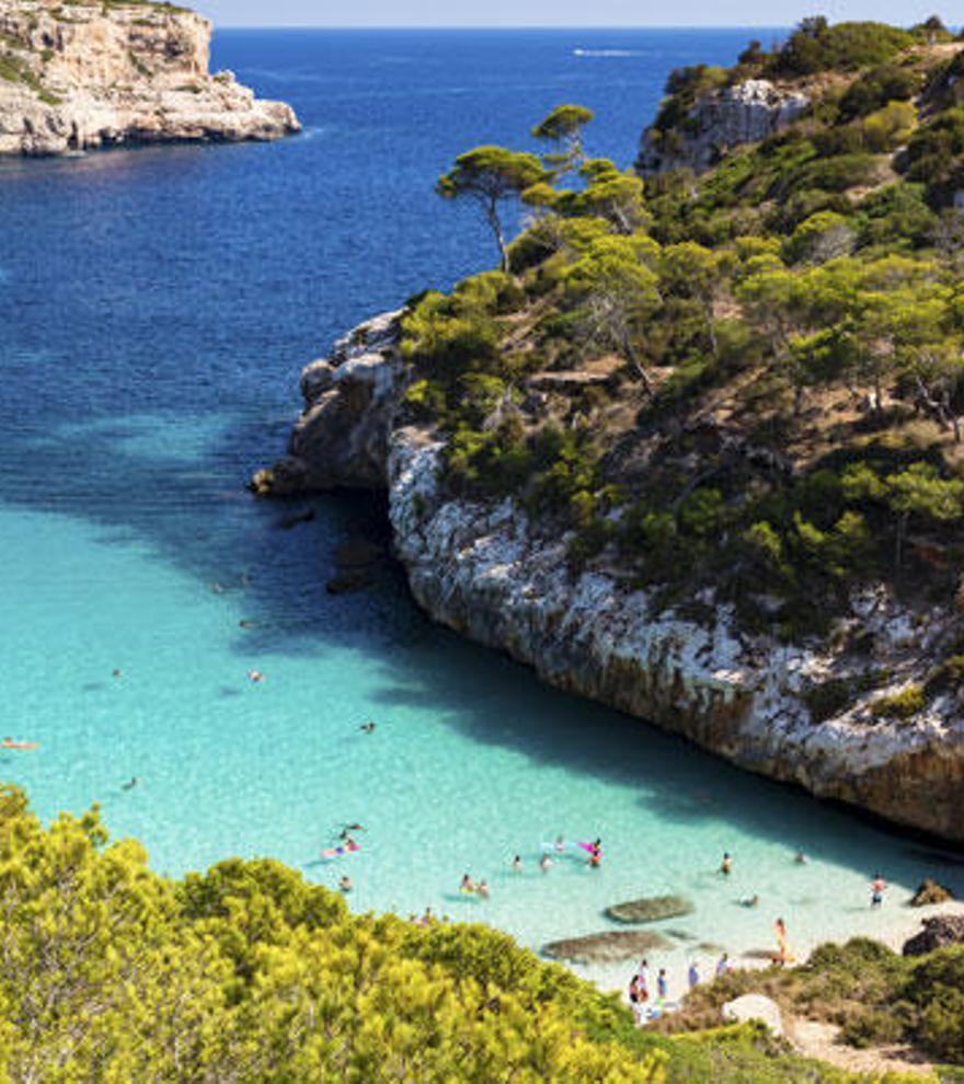 Ocho calas paradisíacas en España