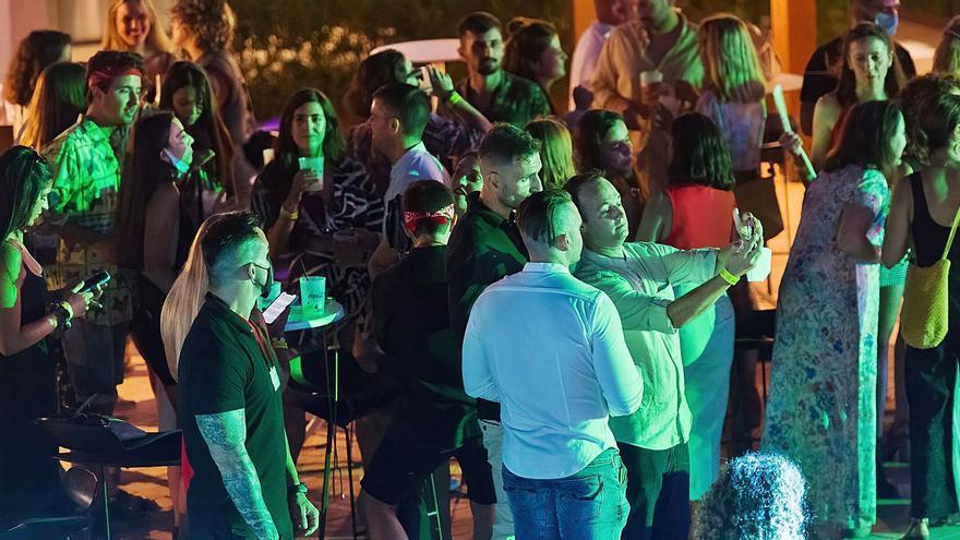 """Ocio de Ibiza confía en que el """"pistoletazo de salida"""" de este viernes para el sector sea el camino a seguir en 2022"""