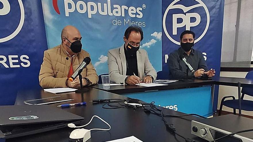 """La reorganización de la plantilla municipal ha """"dilapidado"""" 170.000 euros, según el PP"""