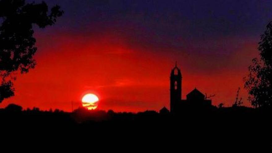 Espectacular foto de la posta de sol a Moià