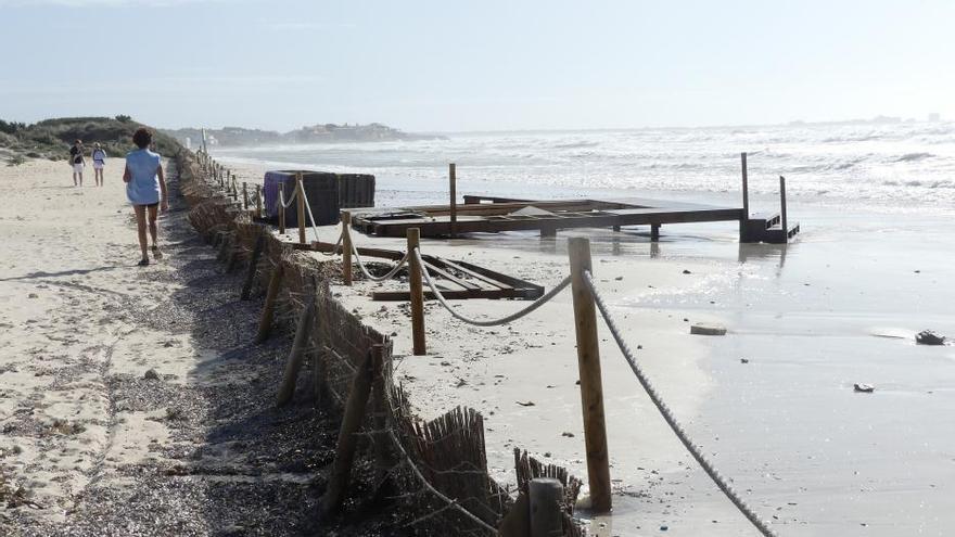 Sturm auf Mallorca beschädigt auch Chiringuitos am Es-Trenc-Strand