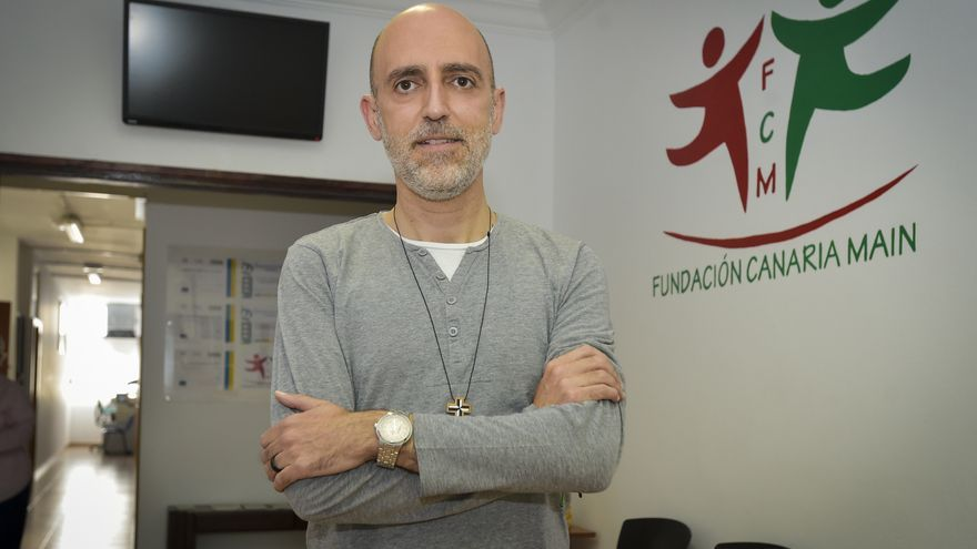 Xabier Gómez: «Hace falta una atención más humanizadora y poner rostro a cada historia»