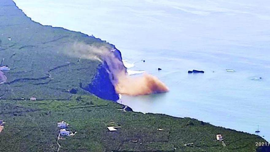 Derrumbe en el litoral de Playa Nueva