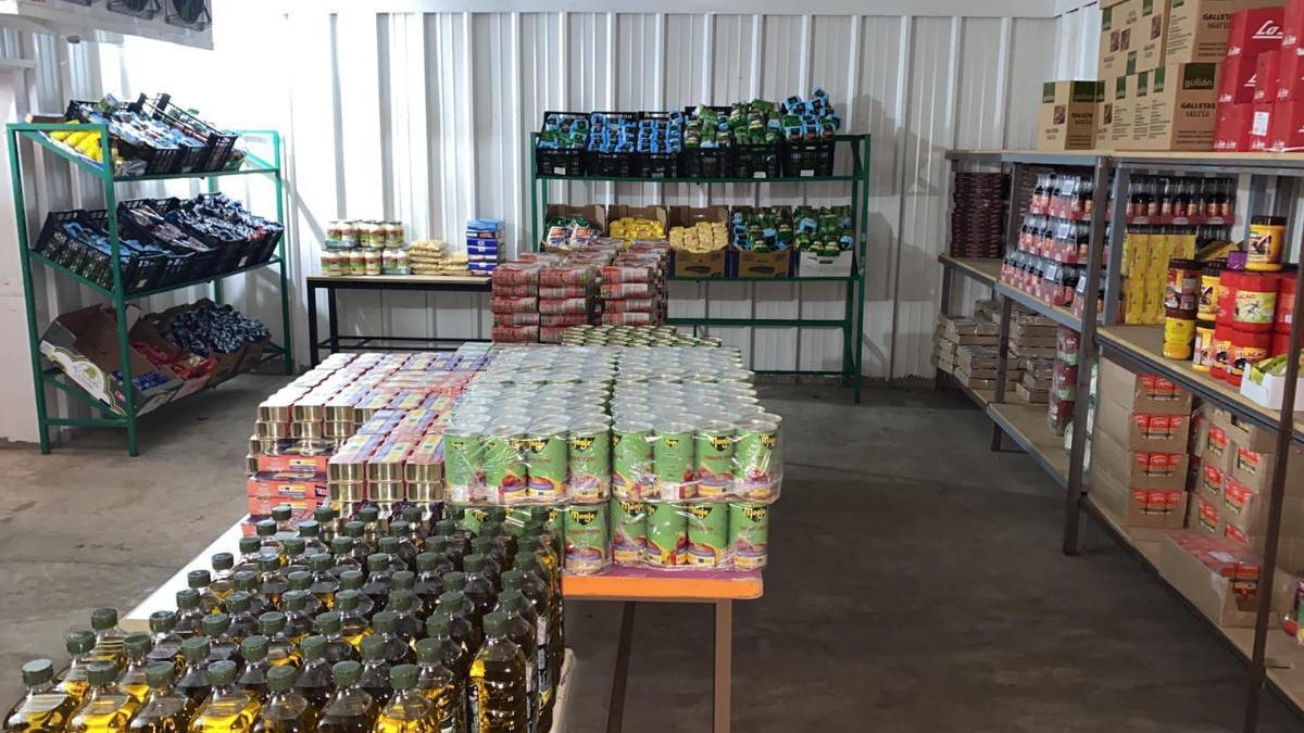La Aldea atiende a 350 personas con su banco de alimentos