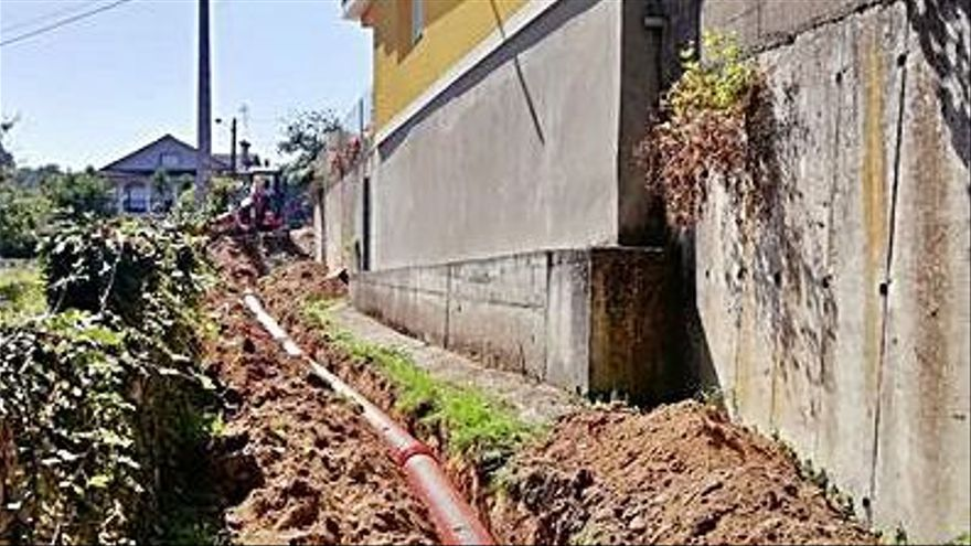 Redondela inicia las obras de canalización del Camiño da Tafona en Reboreda