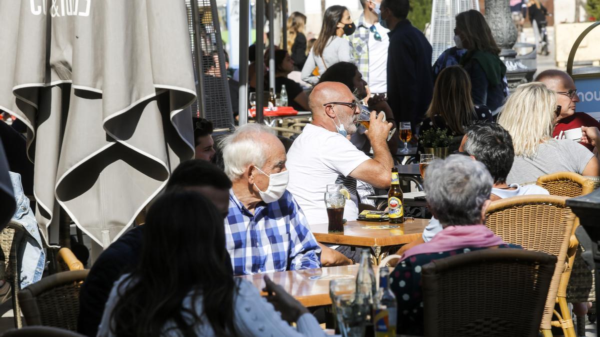 Las restricciones vigentes en la Comunitat Valenciana para frenar el coronavirus contemplan el toque de queda y otras medidas más concretas en algunos municipios.