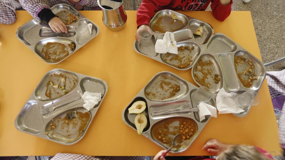 Nens en un menjador escolar de la província de Girona, foto d'arxiu