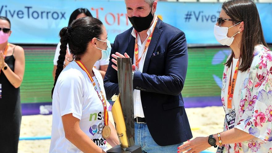 Torrox, pista de despegue del balonmano playa con la VI Copa de España