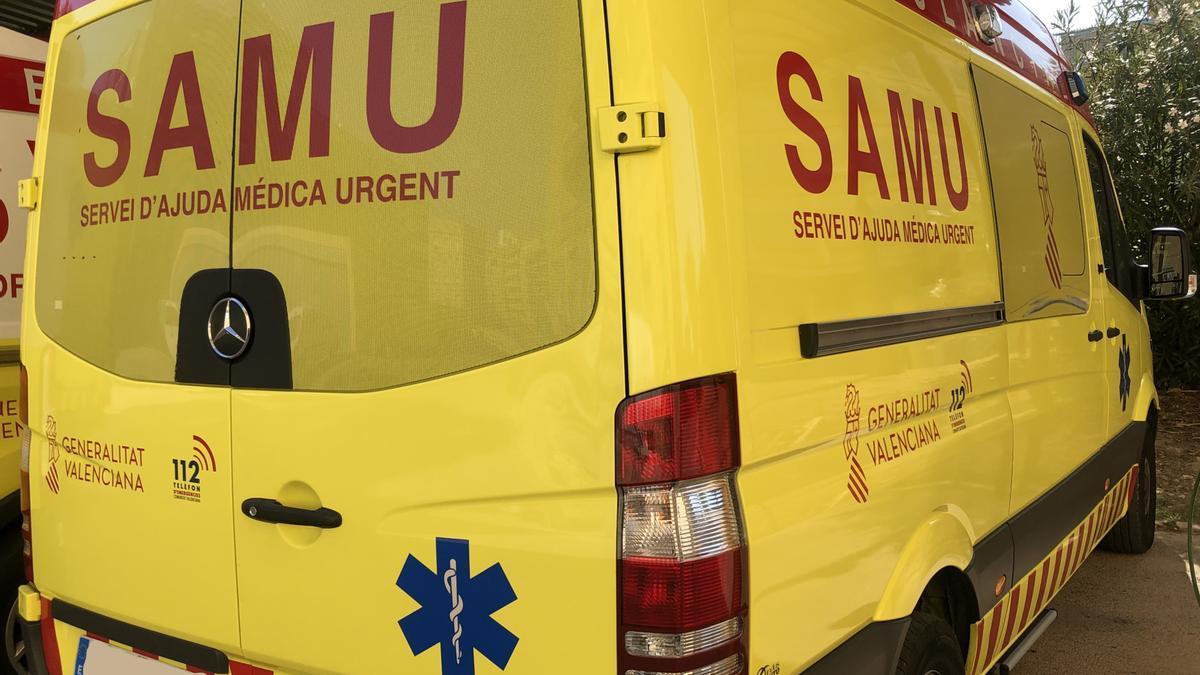 Herido un trabajador al caer de una escalera a unos siete metros en una empresa de Riba-roja