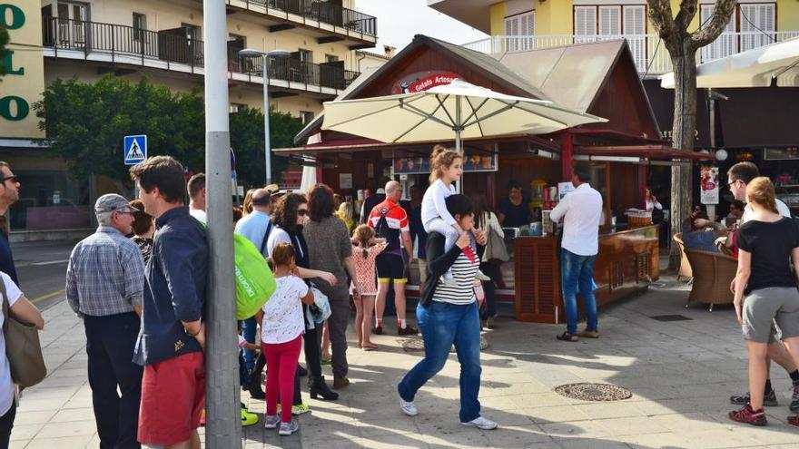 Mallorca hat eine gute Eisdiele weniger: Pollença baut die Traditionsbude am Hafen ab