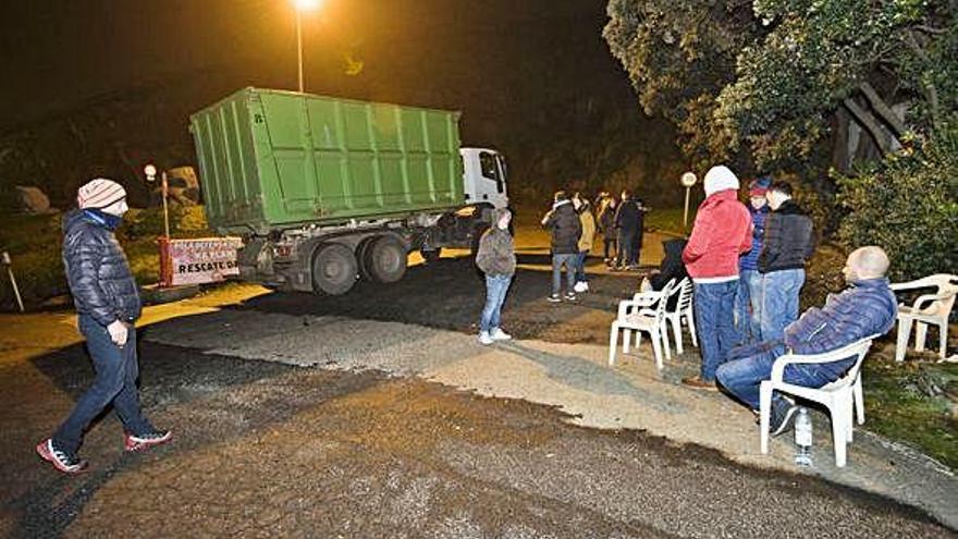 El Concello apela a la colaboración vecinal por el temor a la basura en la calle desde mañana