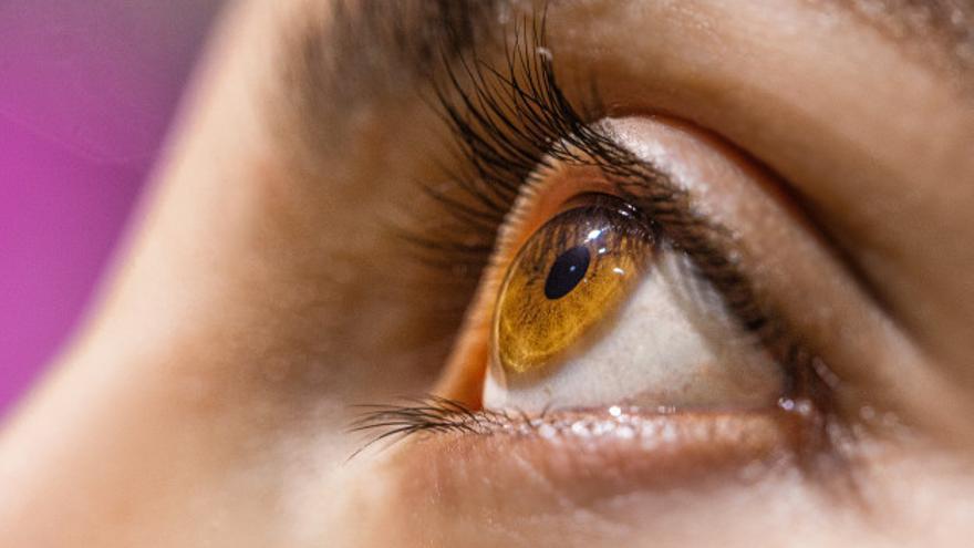 ¿Qué podemos hacer para reducir los molestos síntomas del ojo seco?