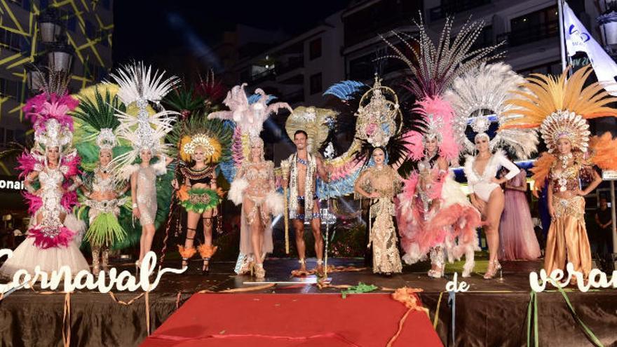 El sambodromo y la youtuber Ariann clausuran el Carnaval del Verano de Puerto de la Cruz