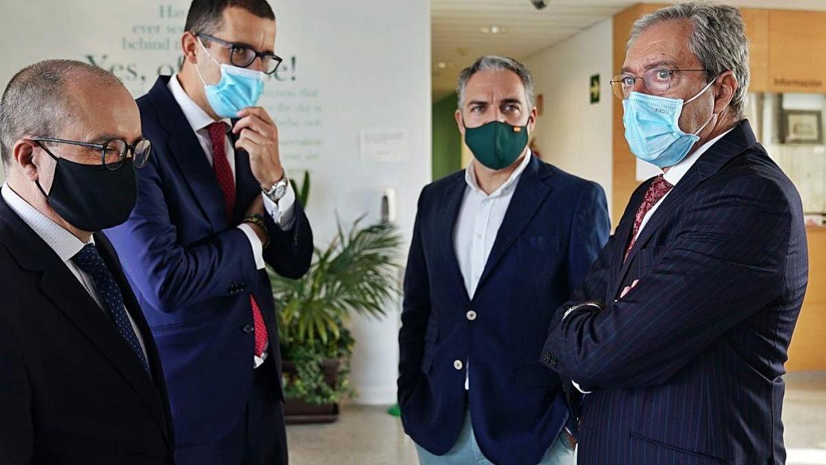 Los consejeros visitaron ayer  las instalaciones de IBM en Málaga.
