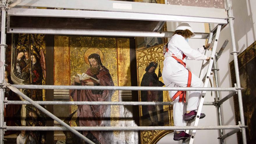 El retablo de la iglesia de Jesús, en Ibiza, pasa la ITV