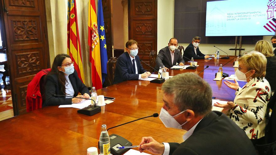 La Generalitat reabre las terrazas con solo cuatro comensales