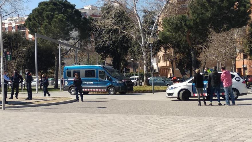 Tres detinguts pel robatori d'un mòbil de 900 euros al parc Central de Girona
