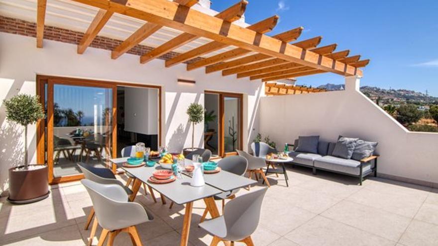 Deja pasar la brisa del mar a tu futuro hogar, con las siguientes casas en venta en Benalmádena