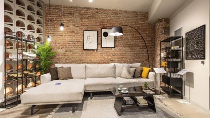 La marca gironina de mobles Kave Home s'estrena la ciutat