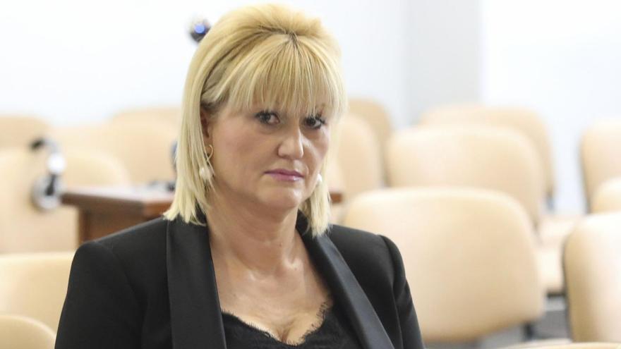 El PSOE suspende cautelarmente a una concejala de Castrillón que recibió una vacuna