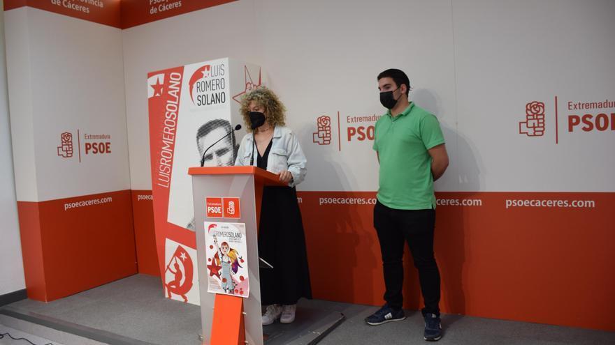 Juventudes Socialistas premia la labor de Charo Cordero y su lucha por la memoria democrática en la provincia