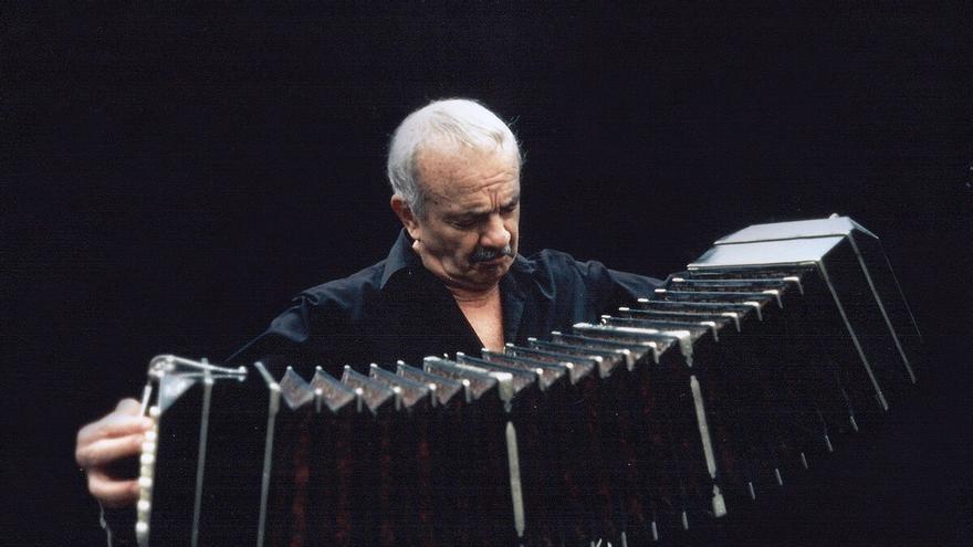 Piazzolla cien por cien: homenaje al gran bandeonista argentino