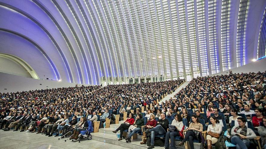Oviedo trata de salvar cuarenta congresos para atraer 40.000 visitas en dos años