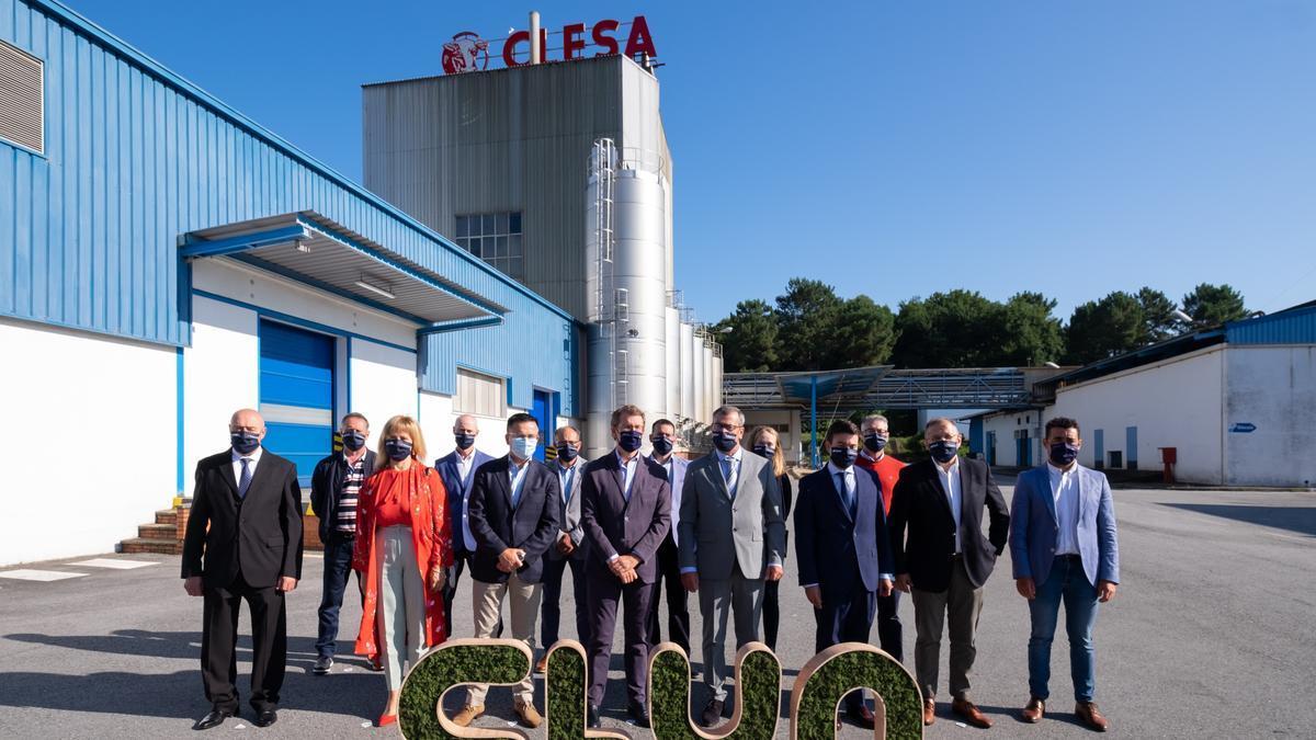 Visita del presidente de la Xunta de Galicia, ayer, a la fábrica de Clesa en Caldas