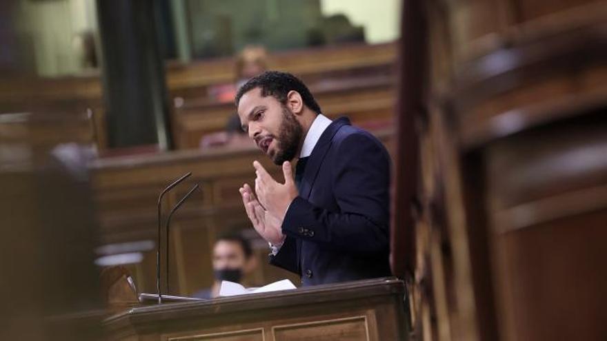 """Garriga (Vox) justifica la moción como """"un deber nacional"""""""