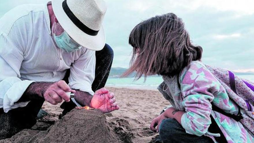 Entierran a la niña que perdió la vida en la costa de Canarias