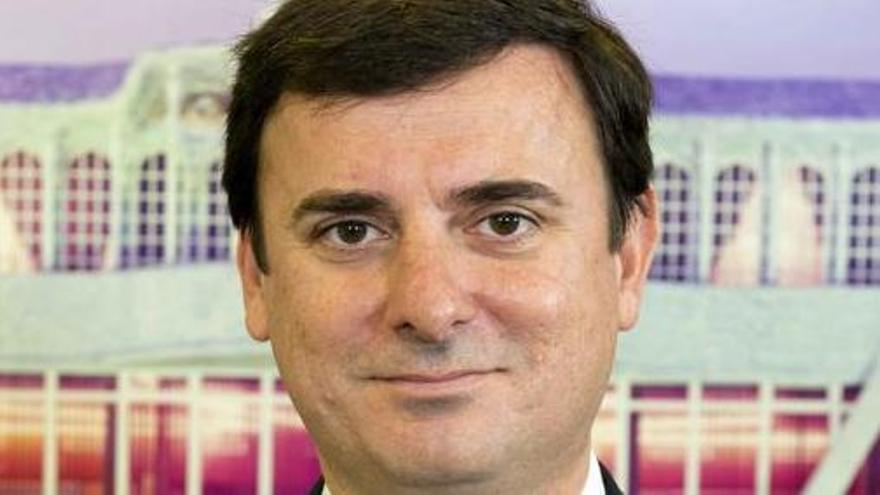 El PSOE abre un expediente de expulsión a Emilio Ivars por filtrar información del partido