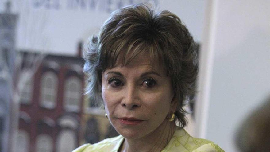 'Largo pétalo de mar', de Isabel Allende, libro más popular del último año