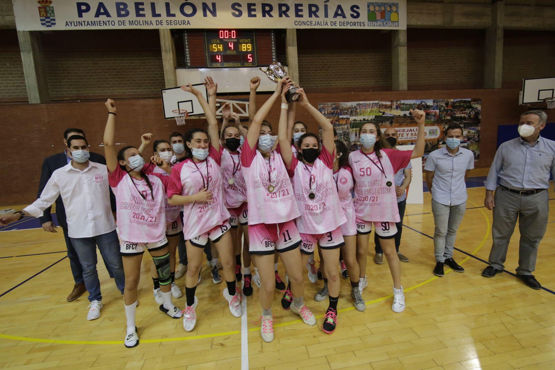 Final cadete de baloncesto femenino