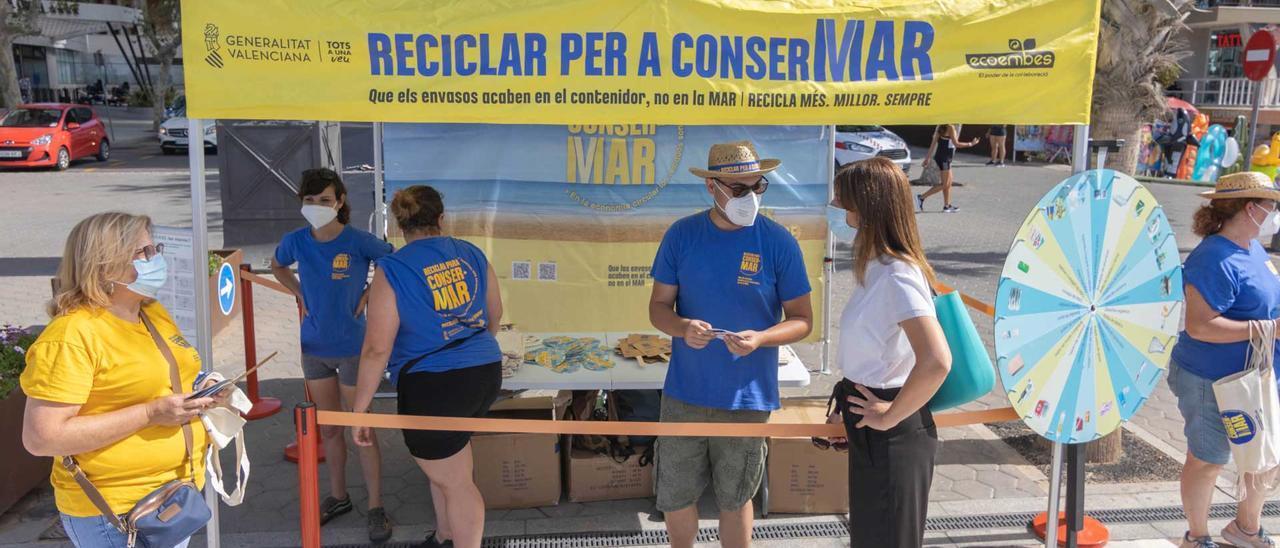 La carpa instalada en Levante para llevar a cabo la campaña.