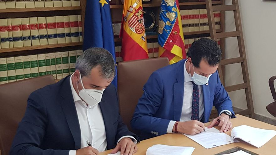 Elda y Aspe firman un convenio que les permitirá compartir sus bolsas de empleo