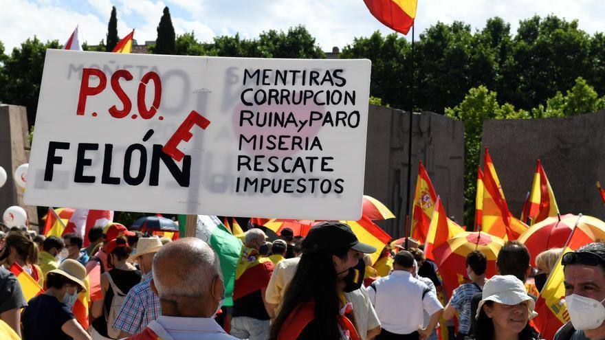 Manifestants a Colón: «Venim perquè estimem Espanya i si no la defensem, ens la trenquen»