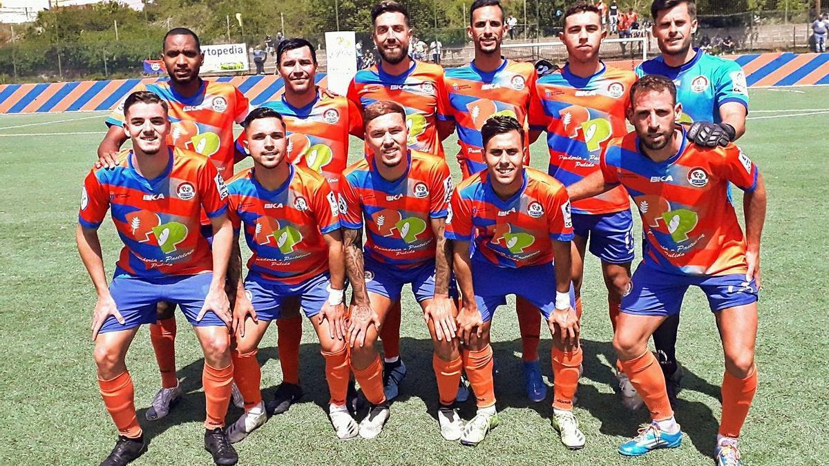 Formación inicial del Panadería Pulido San Mateo en el partido de ayer ante el Atlético Paso de La Palma. | | LP/DLP