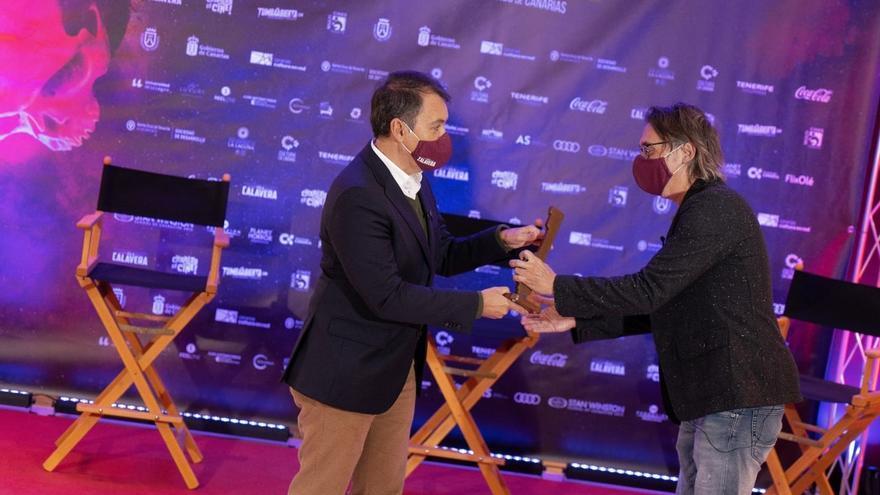 El festival 'Isla Calavera' premia  a Elio Quiroga por su trayectoria