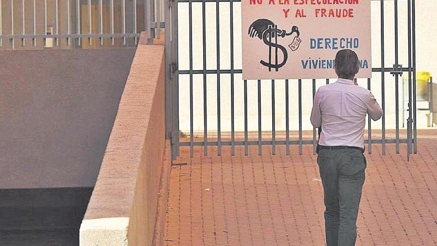 Castelló insta a actuar al fondo buitre por el peligro de desprendimientos