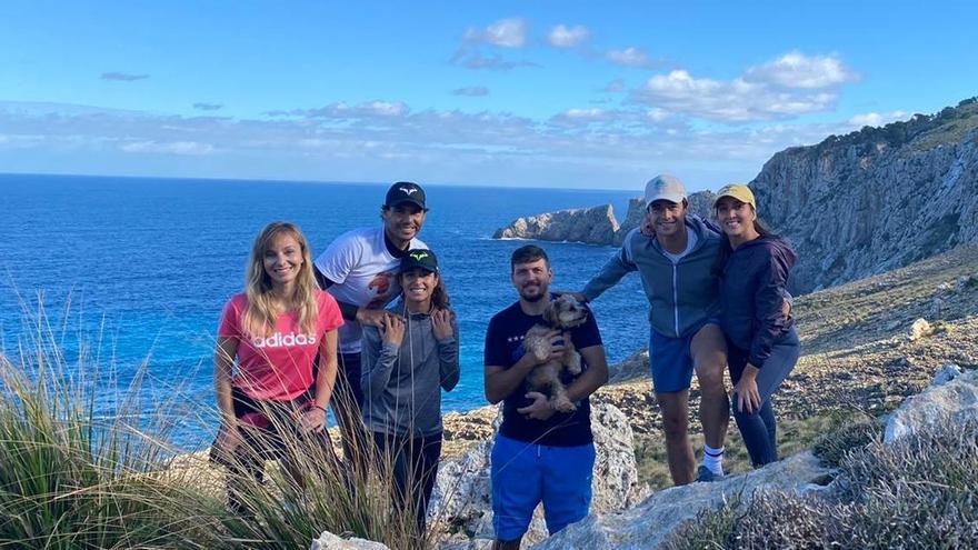 Rafa Nadal muestra su faceta de excursionista en Mallorca